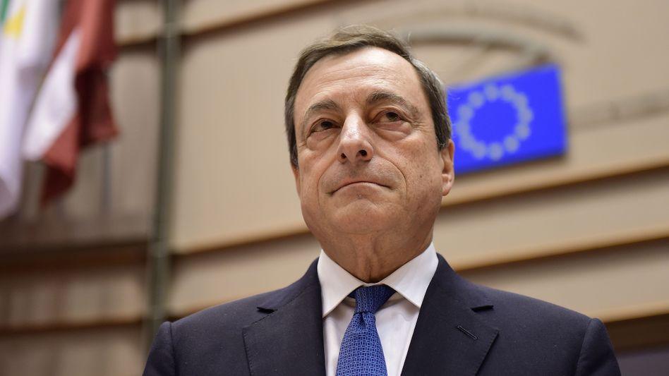 """EZB-Präsident Mario Draghi: """"Obwohl die wirtschaftliche Erholung zunehmend auch auf eigenen Beinen steht, ist es zu früh, Erfolg auszurufen."""""""
