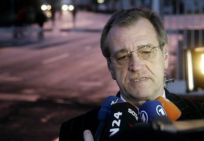 Schwerer Stand: Airbus-Deutschlandchef Puttfarcken kann die Mitarbeiter nicht vom Sparprogramm überzeugen