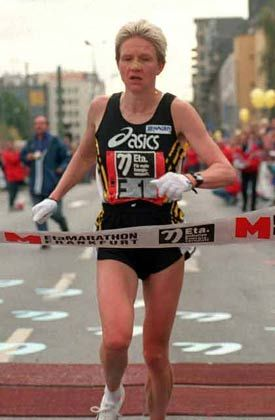 ... einsame Marathonläuferin ...