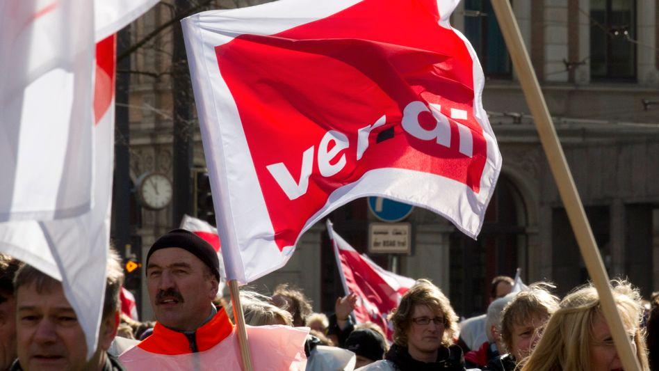 Warnstreik im öffentlichen Dienst: Seit März bekommen die Beschäftigten 3,5 Prozent mehr Geld