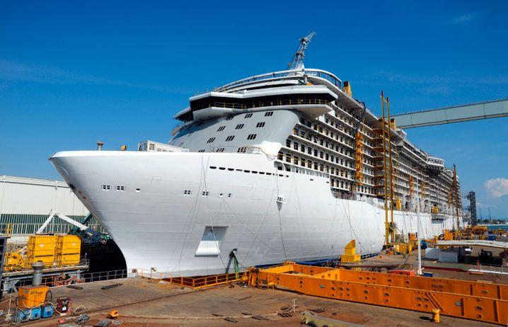 """Königliches Kreuzfahrtvergnügen verspricht die Reederei Princess Cruises auf ihrem neuesten Flaggschiff """"Royal Princess""""."""