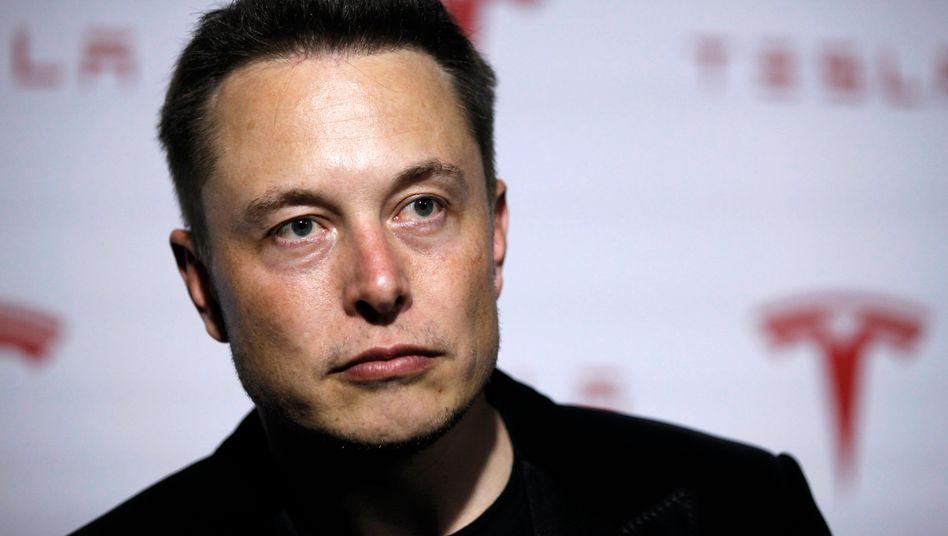 Harte Nuss: Tesla-Chef Elon Musk kommt in Deutschland langsamer voran als erhofft