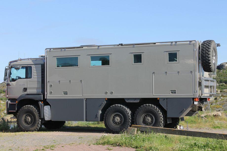 Expeditionsfahrzeug: Mit solchen Fahrzeugen ist kein Weg zu weit oder zu beschwerlich, um auf Abenteuerurlaub oder auf Expedition zu gehen