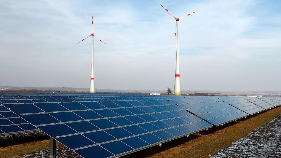 Unterbietungswettstreit: Solarstrom aus großen Anlagen wird in Deutschland ab März niedriger vergütet als Strom aus Windkraftanlagen auf See
