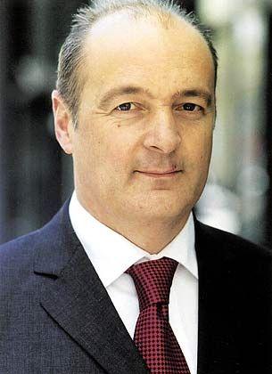 Alexander Eichner ist seit Oktober 2001 Chef des Aufsichts der Düsseldorfer Beteiligungsgesellschaft Spütz und gleichzeitig Deutschland-Geschäfsführer des Mehrheitsaktionärs New Media Spark. Vor seiner Tätigkeit bei der britischen Risikokapital-Gesellschaft arbeitete Eichner unter anderem als Assistent des Bertelsmann-Vorstands für elektronische Medien, Manfred Lahnstein.