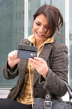 Öffentliche Privatsphäre: Mitarbeiter kommunizieren unterwegs oft zu sorglos