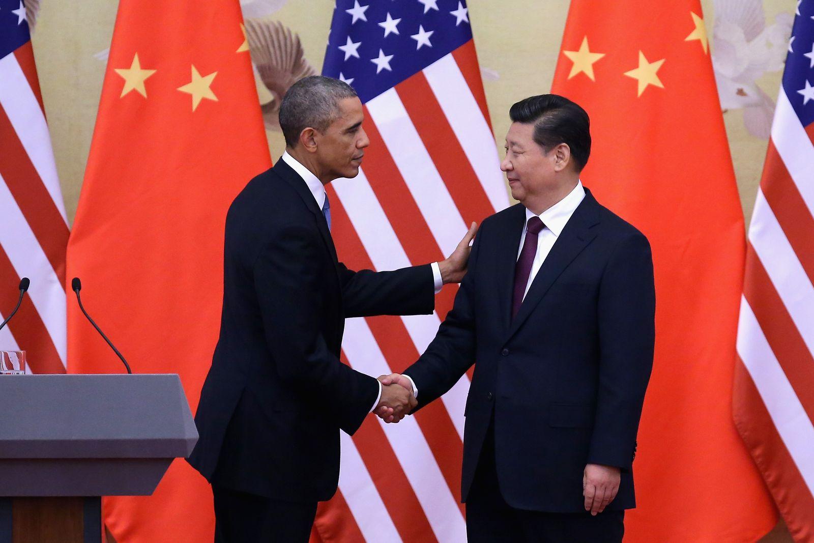 Barack Obama Xi Jinping handshake