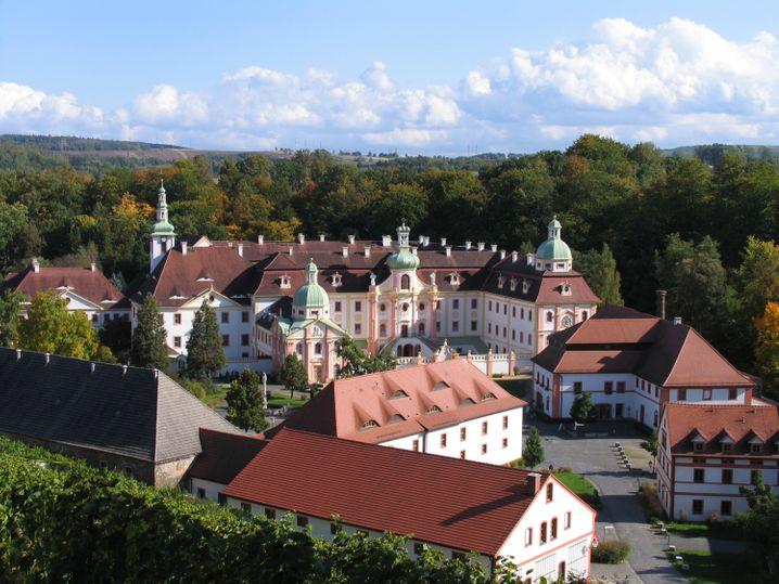 Das Kloster St. Marienthal liegt in der sächsischen Oberlausitz - und ermöglicht auch Ausflüge ins Dreiländereck Deutschland, Polen und Tschechien.