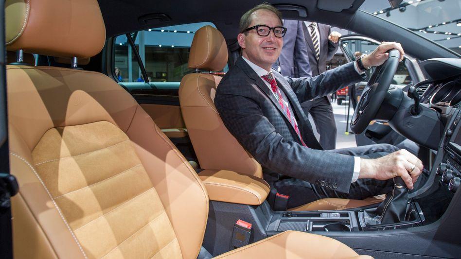 """""""Unausgegoren, verkorkst, mobilitätsfeindlich"""": Bundesverkehrsminister Alexander Dobrindts Kommentar zur geplanten blauen Plakette für alte Dieselfahrzeuge"""