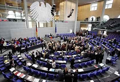 Bundestag: Die große Mehrheit der Deutschen misstraut den Volksvertretern