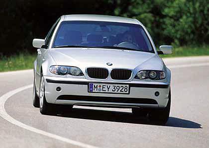 BMW 3er: Wird derzeit in den Sondereditionen Sport, Exclusive und Lifestyle angeboten. Die Motor-Varianten für Benziner und Diesel (Reihen-6- oder 4-Zylinder) reichen vom 115- bis zum 231-PS-Modell