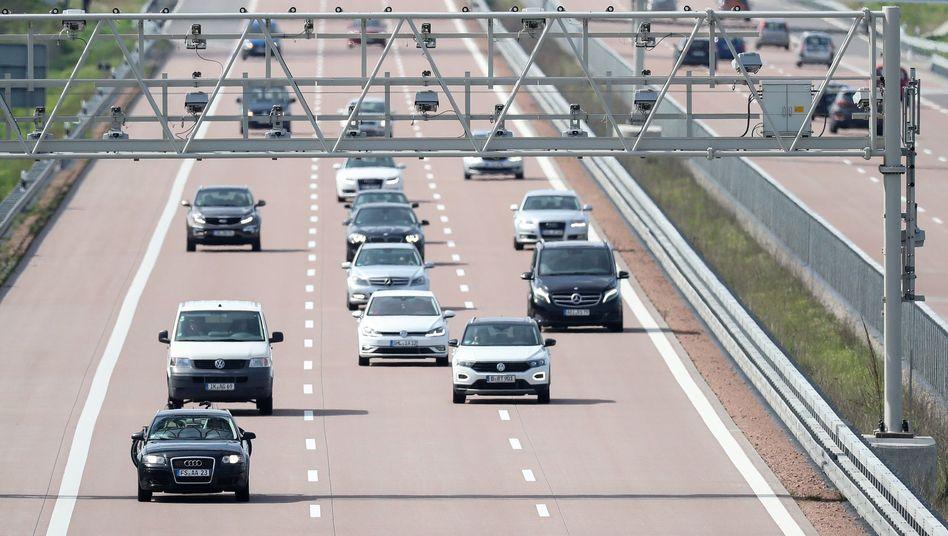 Mauterfassung (bis auf weiteres nur für Lkw) an der Autobahn A9