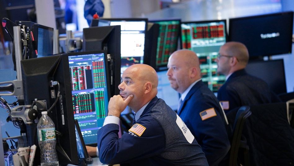 Aktienhändler in New York: Für die Kursverluste am Montag gibt es viele Gründe.