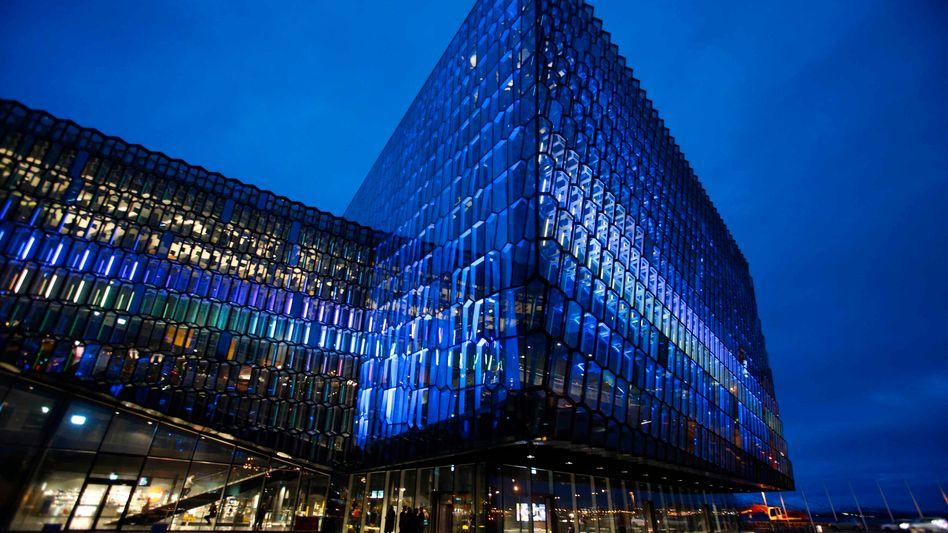 Konzerthalle Harpa in Reykjavik: Island will die Finanzkrise endlich hinter sich lassen und lockert die Kapitalkontrollen
