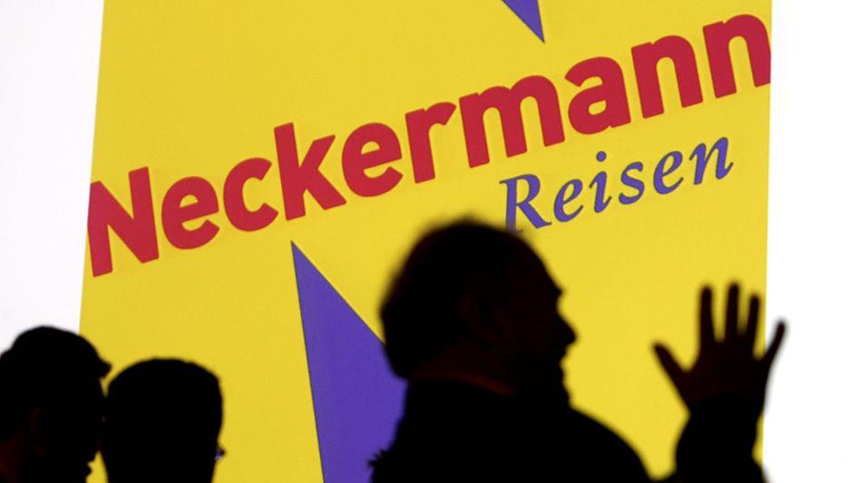 """Neckermann: Josef Neckermann erweiterte das Angebot seines Versandhauses in den 60er Jahren auch um """"Reisen für Jedermann"""". Das Versandhaus ist inzwischen insolvent, der Reiseveranstalter gehört zu Thomas Cook. Neckermann-Erbin Marlene hat derweil Ärger mit Geschäftsleuten, die unter dem Namen """"Neckermann"""" Solar-Investments anbieten"""