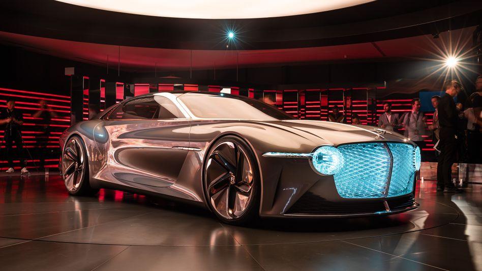 Der Bentley EXP 100 GT bei der Präsentation im Juli 2019