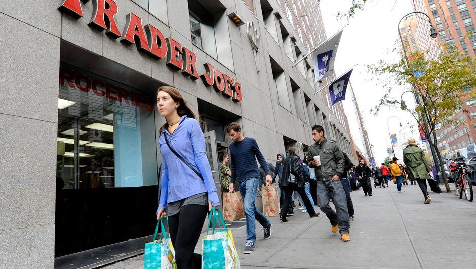Trader Joe's: Aldi lockt in den USA mit Billigangeboten aus dem Eigenmarken-Sortiment - und fährt dabei hohe Margen ein