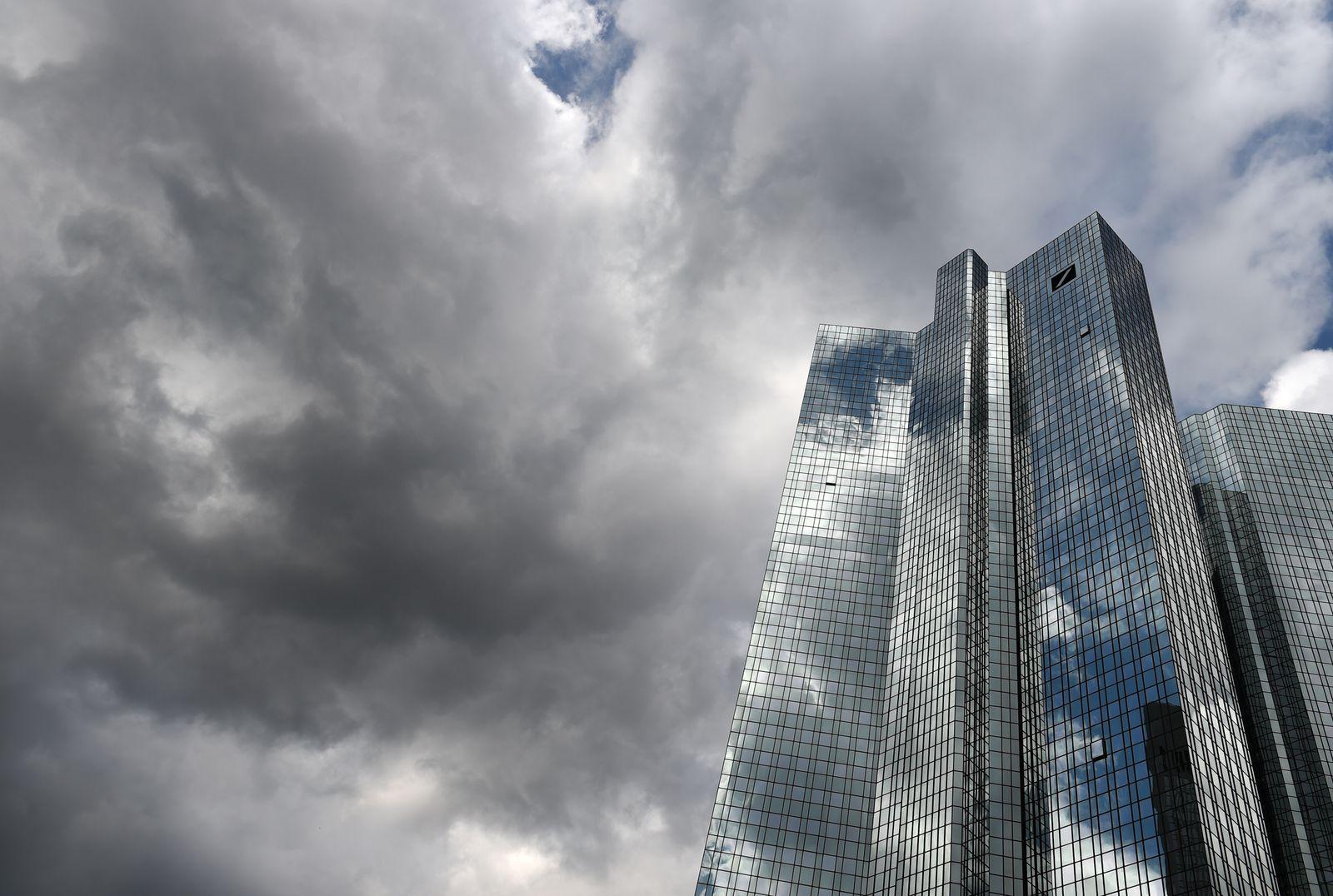 Deutsche Bank /Dunkle Wolken