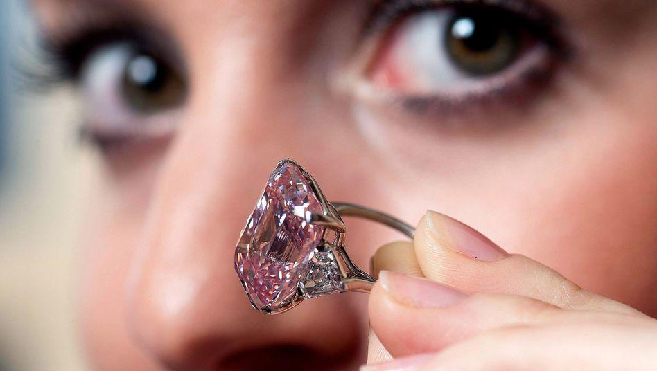 Wertvolles Geschenk: Dieser Diamantring wurde vor einiger Zeit für mehrere Millionen Euro versteigert