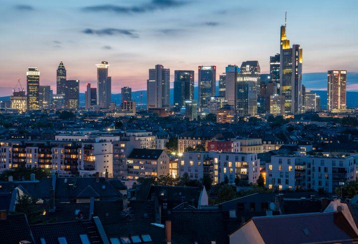Zahlreiche Corona-Infektionen nach Gottesdienst in Frankfurter Kirchengemeinde