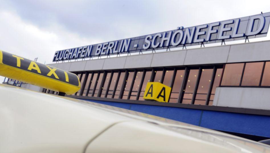 Der neue Berliner Flughafen Schönefeld soll bald die Nummer drei unter den deutschen Flughäfen sein