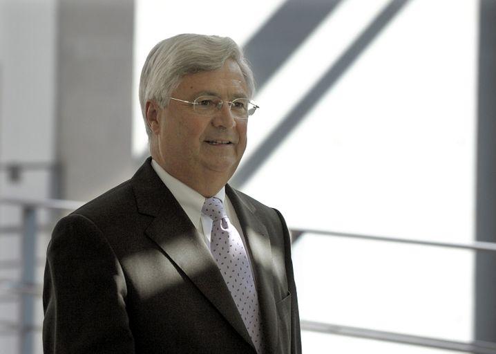 Ein weiteres Mitglied des grauen Blocks: Klaus-Peter Müller, Jahrgang 1944, leitet den Aufsichtsrat der Commerzbank