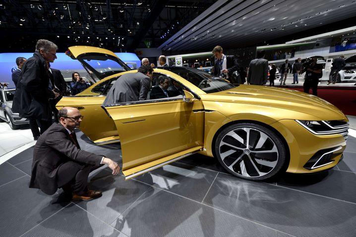 VW-Konzeptauto auf dem Genfer Autosalon: Die Schweizer Verkehrsbehörden lassen VW-Dieselautos mit dem TDI-Motor EA 189 derzeit nicht zu