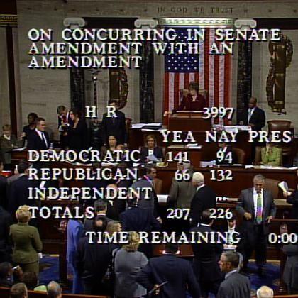 Abstimmung im US-Parlament: Redner kämpften am Montag um jede Stimme für das Rettungspaket.