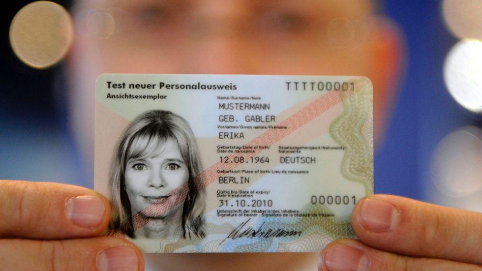 Persönliche Daten: Das Meldewesen muss jetzt auf Bundes- statt auf Länderebene geregelt werden, deshalb ist das neue Gesetz notwendig. Bisher gilt die Widerspruchslösung, die jetzt für Aufregung gilt