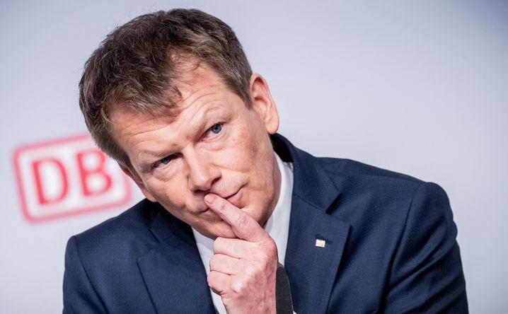 Der Chef der Deutschen Bahn, Richard Lutz, muss sich in Quarantäne begeben