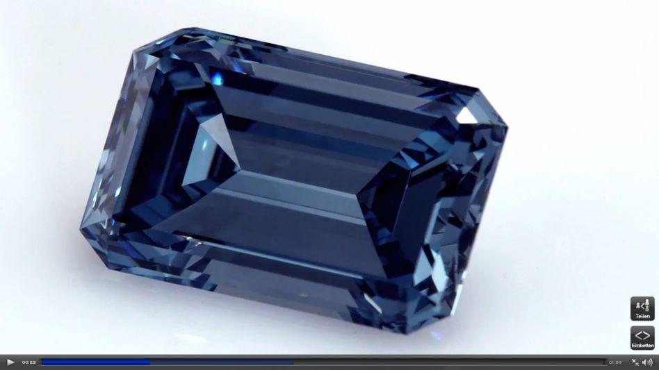 """Möglicherweise bald der teuerste Diamant der Welt: Der """"Oppenheimer Blue"""" wird im Mai in Genf versteigert"""