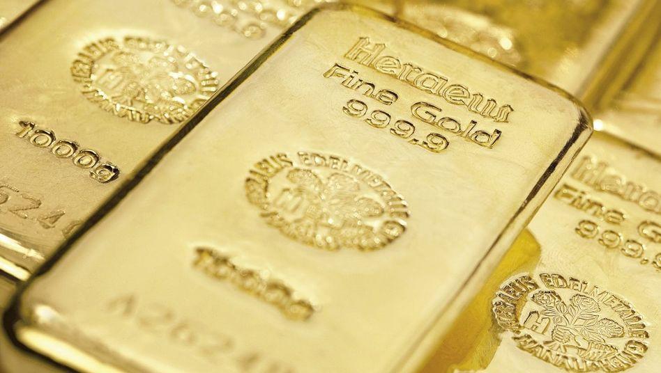 Goldbarren: Die Aktien der Goldminenfirmen verzeichneten zuletzt starke Kursgewinne.