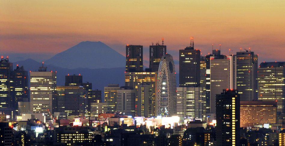 Tokio: Wie kommt Japan aus der Überschuldungskrise?