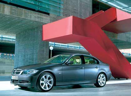 Lange Haube, Linsen-Scheinwerfer, bulliger Auftritt: Das Design des neuen 3er-BMW erntet Lob