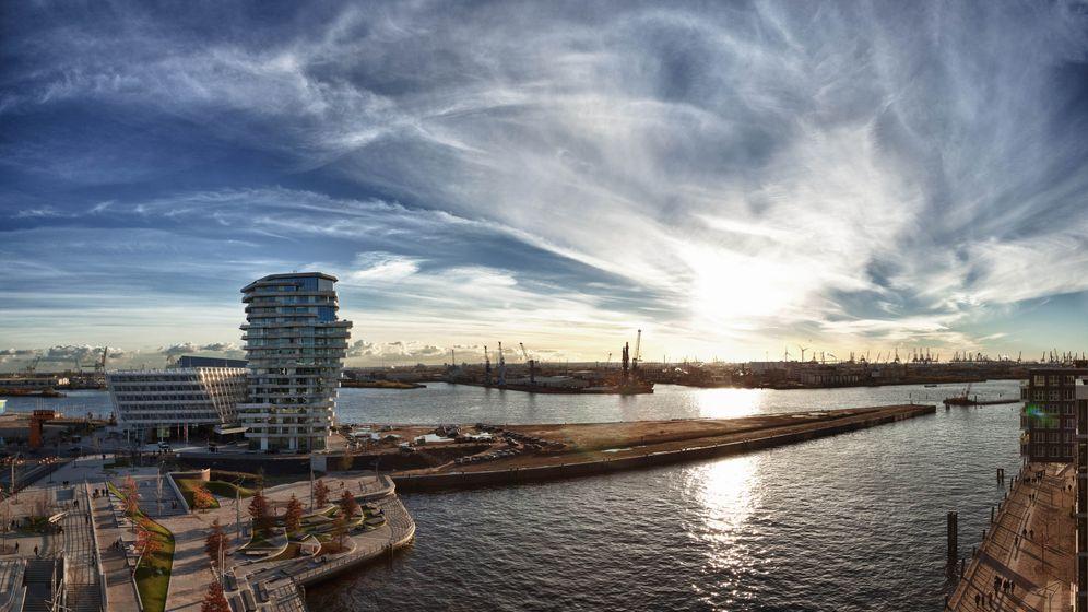 Hafencity: Ungewöhnliche Architektur direkt am Wasser