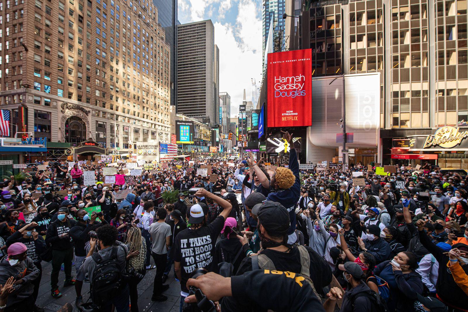 Demonstrators protest death of George Floyd