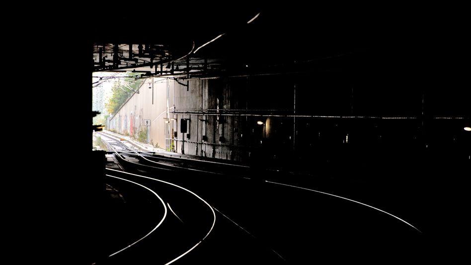 Der Tunnel des Geschehens: In der Nähe des Berliner Hauptbahnhofs wurden in dieser Passage Brandsätze gefunden