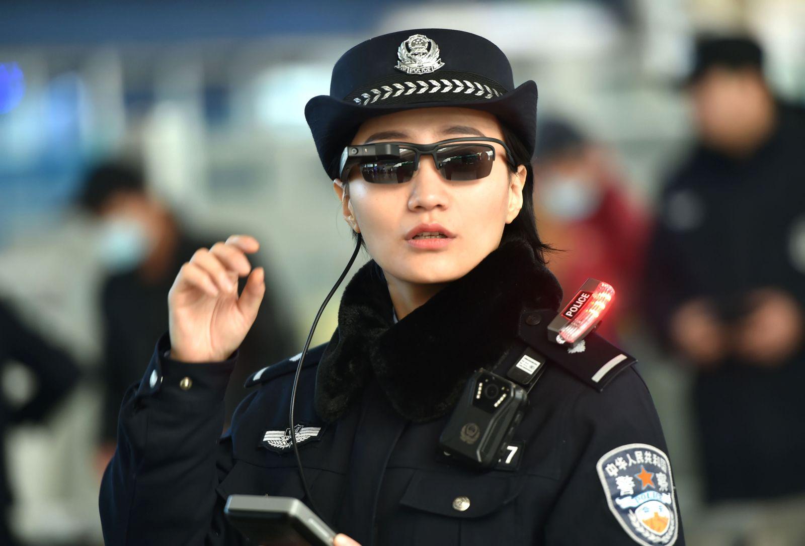 China Polizei / Datenbrille