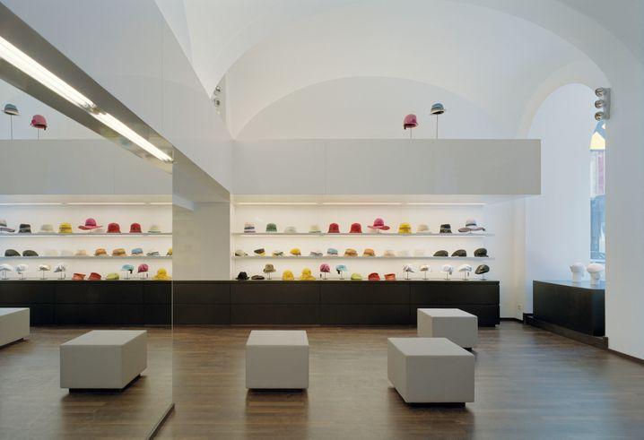 Aufgeräumt: Im Laden von Mühlbauer gibt es keine alten Hüte