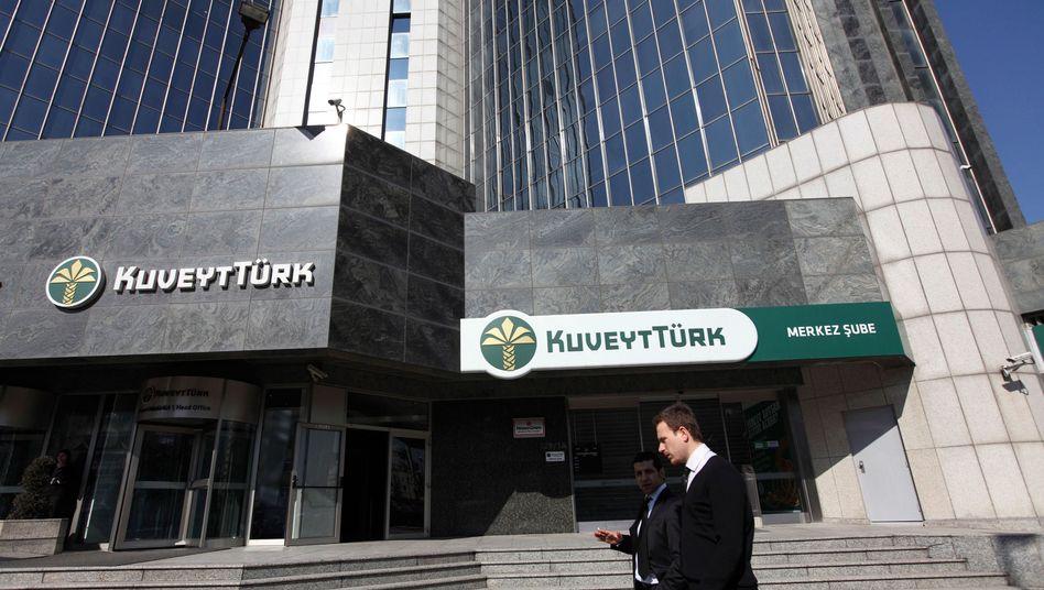 Zentrale der Kuveyt Türk Bank in Istanbul: Lizenz für islamkonformes Geldinstitut