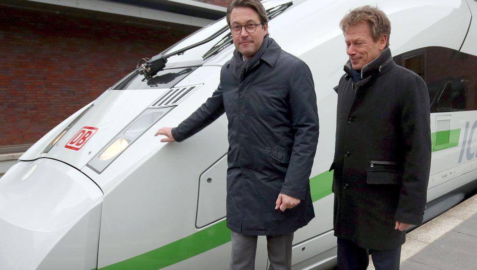 "Verkehrsminister Andras Scheuer (links), Bahnchef Richard Lutz: ""Erst bessere Ergebnisse, dann bessere Vergütung"""