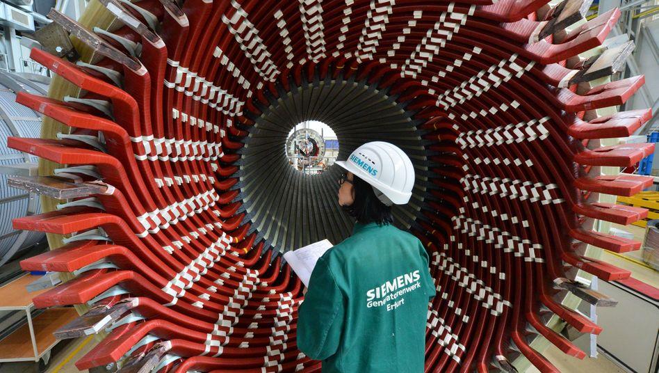 Generatorenbau bei Siemens: Die Nachfrage nach Produkten der deutschen Industrie kühlt ab