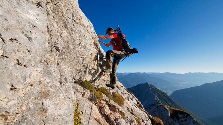 Ein Steig, fünf Gipfel: Das bietet die Tour über den 5-Gipfel-Klettersteig im Rofangebirge.