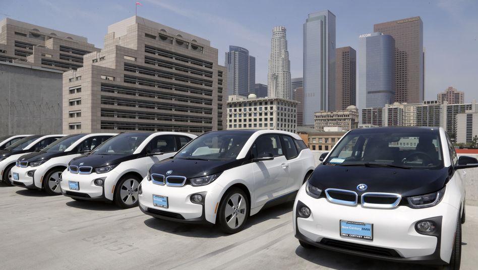 BMW in Los Angeles: Trump droht mit 25 Prozent Zoll auf Importautos