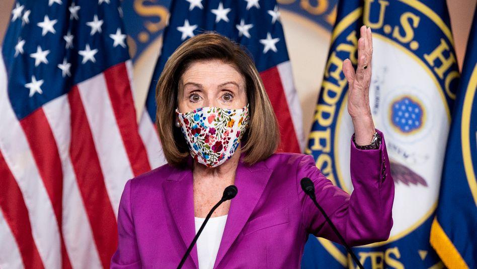 """""""Hoffnung, dass der Präsident sofort zurücktritt"""": Repräsentantenhaus-Sprecherin Nancy Pelosi vor wenigen Tagen vor der Presse in Washington"""
