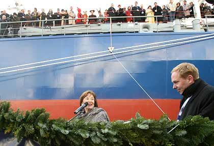 "Taufe der ""Beluga Skysails"":Eva Luise Köhler und Reeder Niels Stolberg"