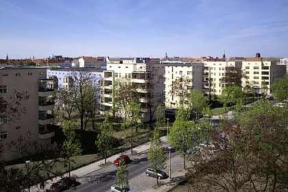 Wohnungen wechseln Besitzer: Die Deutsche Bank übernimmt einen Großteil der deutschen Cerberus-Immobilien