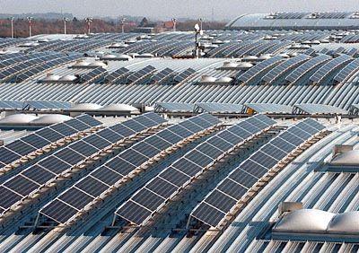 Die Finanzierung von Solarkraftwerken (Foto) und Windenergie reichte zum Überleben der Ökobank nicht aus