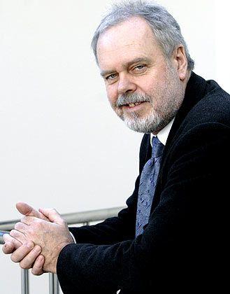 """Günter Bentele, Professor für Kommunikation an der Universität Leipzig und 2007 von der Zeitschrift """"Unicum"""" als """"Professor des Jahres"""" ausgezeichnet"""