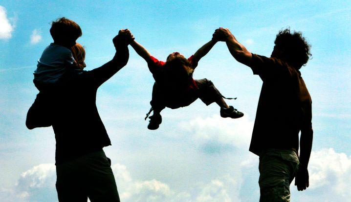 Hoch hinaus: Eltern sollten ihren Kindern viel zutrauen und den richtigen Umgang mit Fehlern vorleben